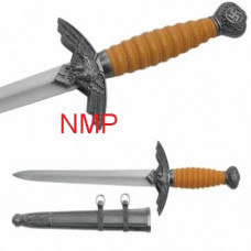 A Collectors World War 2 Naval Officers Dagger (1071)